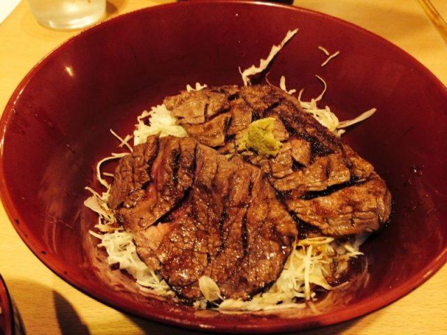 赤坂のニクゼン ステーキ丼
