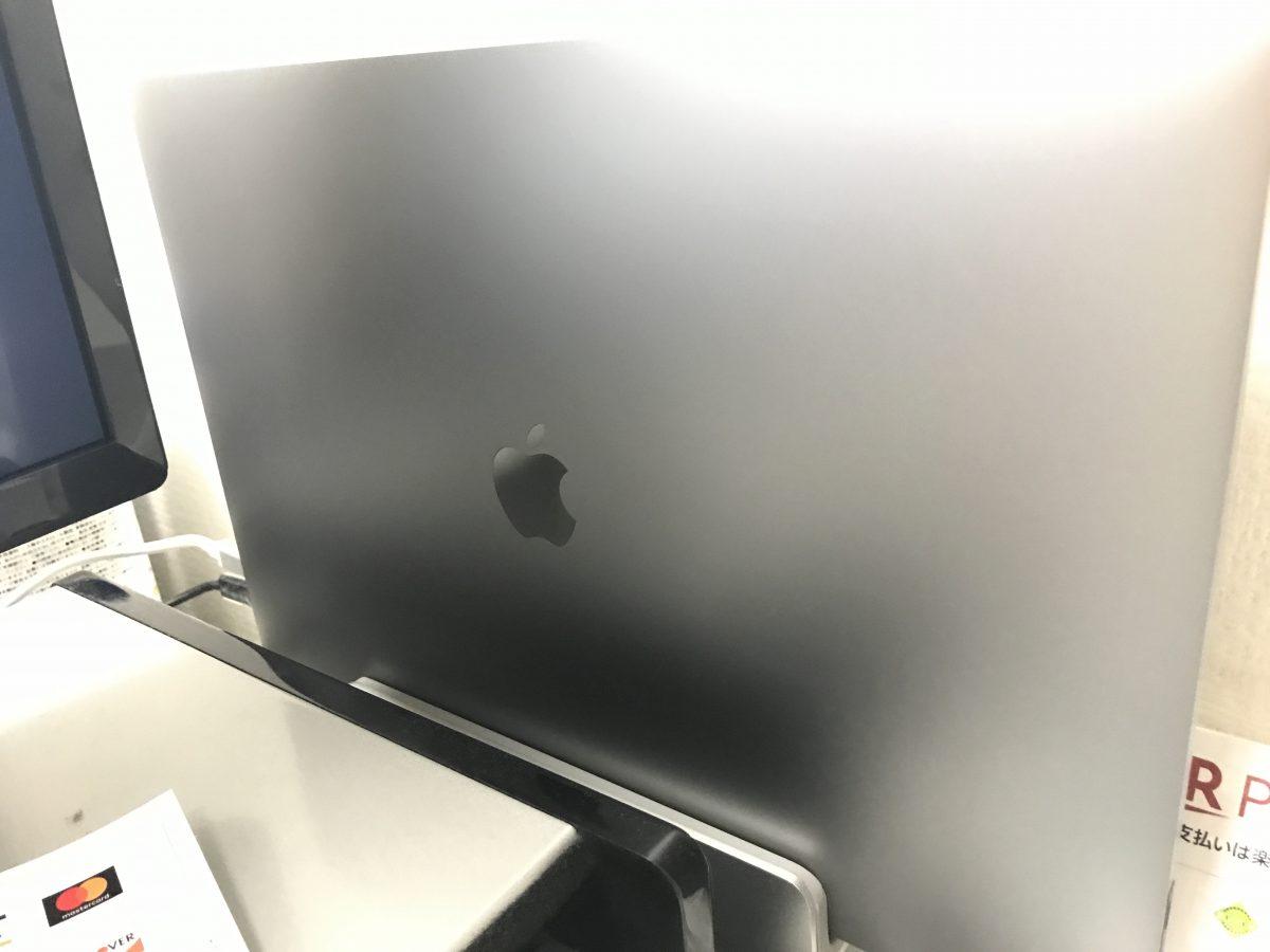 バッテリー盛り上がり問題解決!! + MacBook Pro 15インチ(2017)のケースをはずそうとしたら硬かった