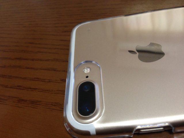 セリアさんの iPhone 7 Plus 用のクリアーケースが素晴らしい!