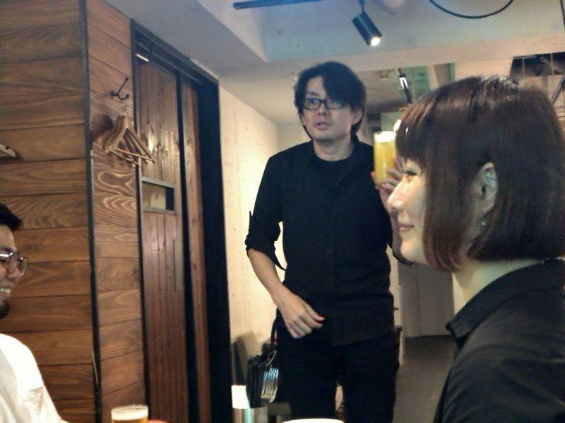 写真: 午後に行われたセミナーから参加していただきました田口さんと堀田さん。田口さんから乾杯の音頭をとっていただきました。